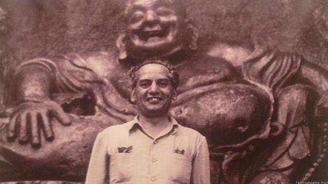ছবির চিত্রনাট্য, সংলাপ এবং গান লিখেছিলেন কবি ফয়েজ আহমদ ফয়েজ
