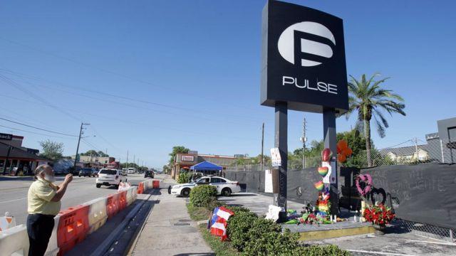 Homenagens a vítimas da boate Pulse, em Orlando