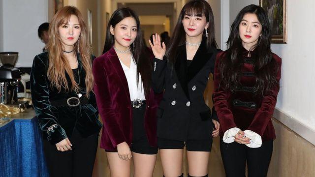 """""""红丝绒""""女子乐团成员在平壤演出后"""