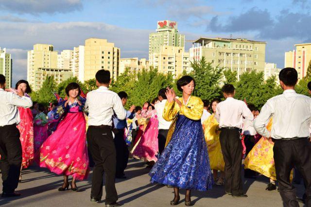Nhảy múa tập thể các điệu nhảy dân gian ở Bình Nhưỡng