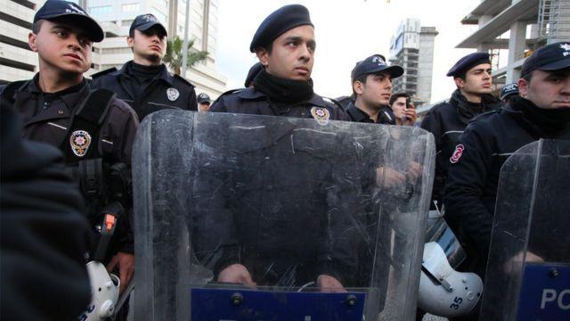 رجال شرطة أتراك