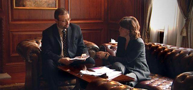 Jamal Khashoggi com a jornalista Jane Corbin em 2004