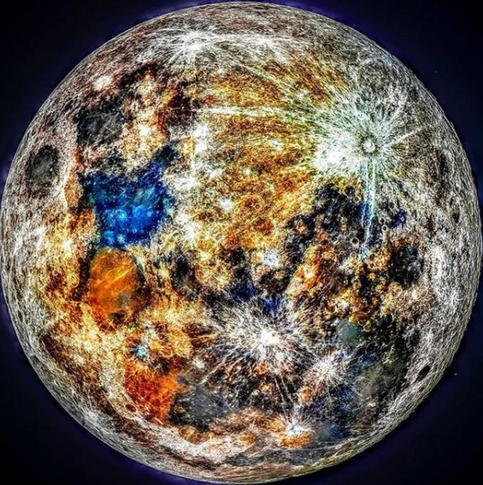 Una imagen de la luna con colores azul y naranja