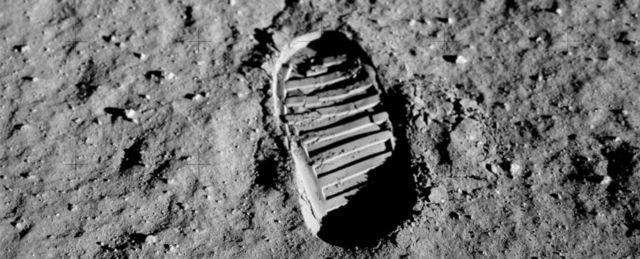 отпечаток ноги на Луне