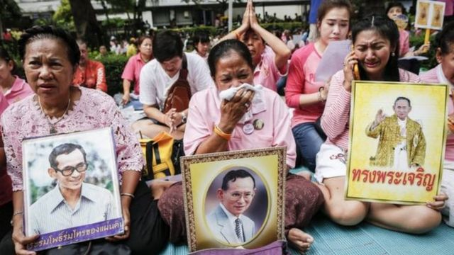 Le roi Bhumibol Adulyadej était très vénéré dans son pays.