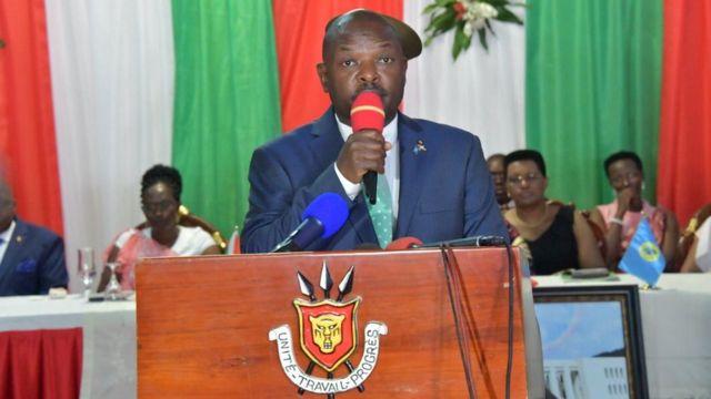 """Petero Nkurunziza ati: """"Imyaka 15 irarangiye turi ng'aha, bavuza induru ngo turi mu makosa""""."""