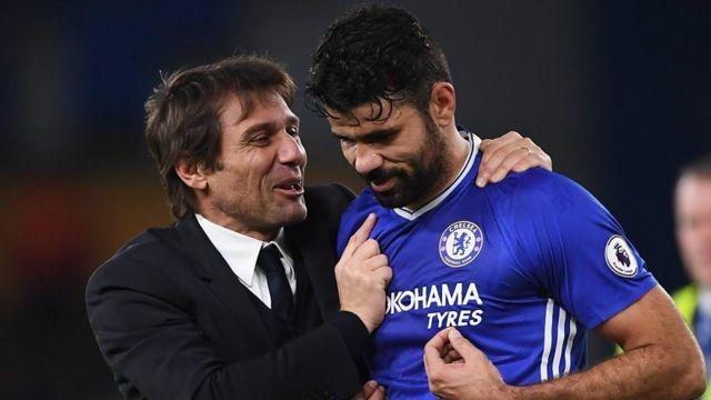 Kocha wa Chelsea Antonio Conte na mshambuliaji wa klabu hiyo Diego Costa