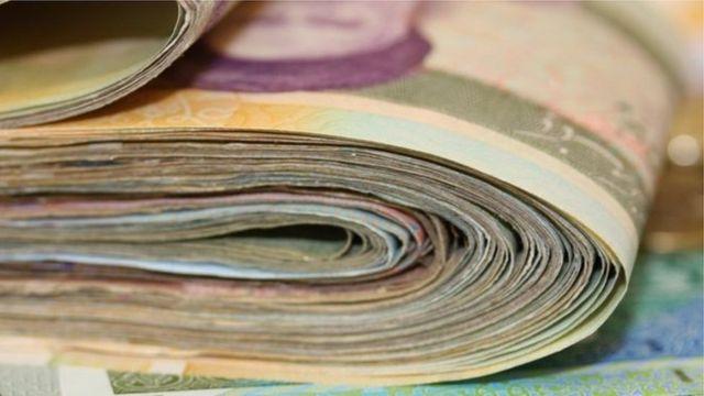 بعضی از کارشناسان دخالت دولت در اقتصاد را عامل افزایش حجم نقدینگی میدانند
