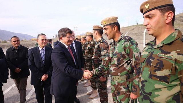 Davutoğlu, Irak'ta IŞİD'e karı savaşan Peşmerge'yi ziyaret etmişti
