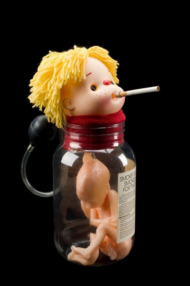 'Smokey Sue İki Kişilik Sigara İçiyor', sağlık eğitimi bebeği