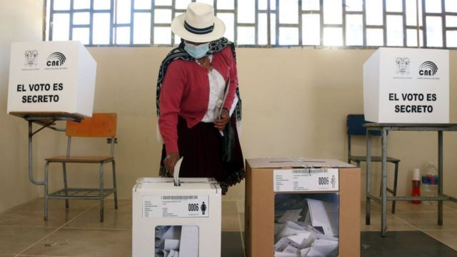 A woman voting in the Ecuador elections.