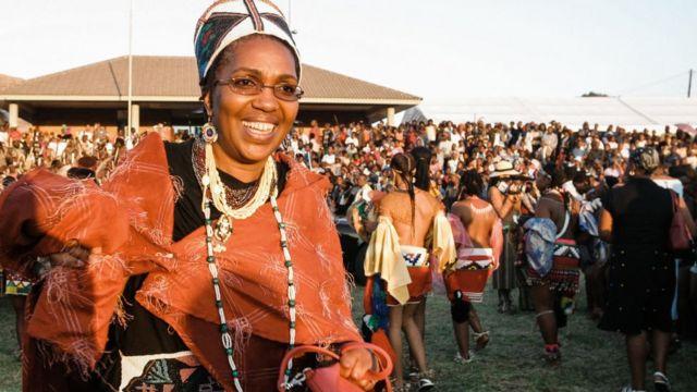 La reina Mantfombi Dlamini-Zulu, aquí en una imagen de 2004,