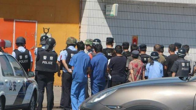 Polisi China menangkap turis Malaysia setelah salat.