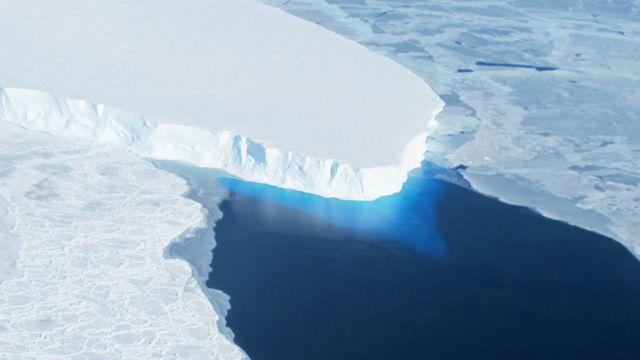 Vista aérea del glaciar Thwaites