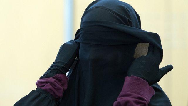 """أمراة """"جهادية"""" في تنظيم الدولة الإسلامية"""