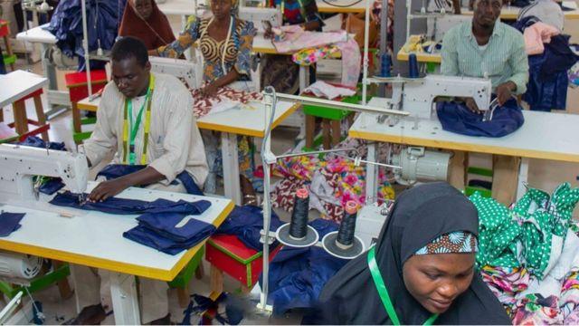 "MSME Survival Fund registration portal"" How to apply: President Buhari okay  N60bn & N15bn ""Guaranteed Offtake Schemes"" Covid-19 support moni wey FG wan  give small bizness for Nigeria - BBC News Pidgin"