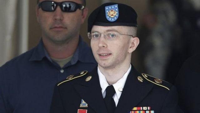 الجندي السابق برادلي مانينغ (تشيلسي حاليا)