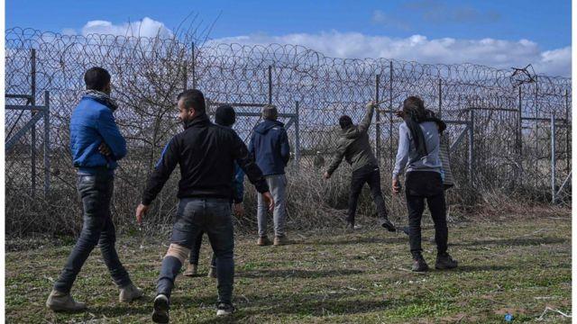 На границе с Грецией скопились тысячи беженцев из Сирии