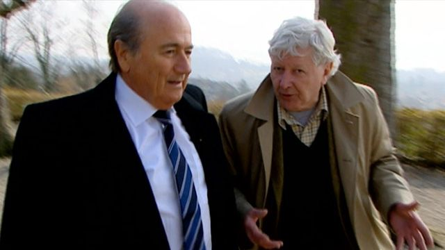 Andrew Jennings tries to quizz Sepp Blatter