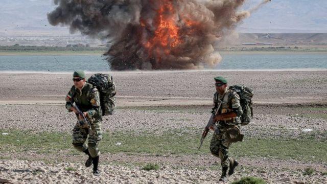 """مانور نظامی """"فاتحان خیبر"""" در شمال غرب ایران"""