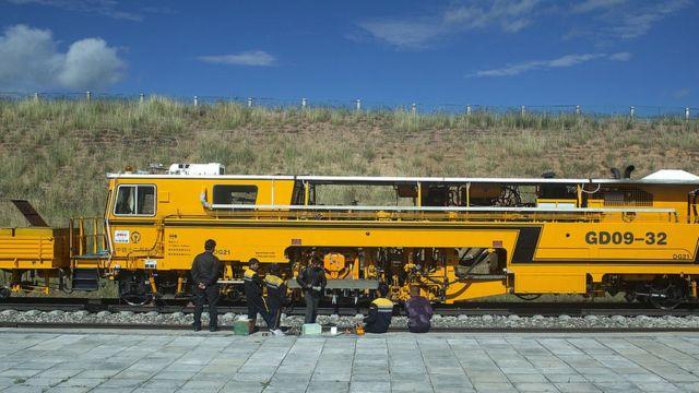 তিব্বতের এই রেলপথকেই নেপাল পর্যন্ত সম্প্রসারিত করতে চায় চীন