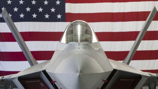 Un avión de combate Stealth Lockheed Martin F-22 Raptor de la Fuerza Aérea de Estados Unidos