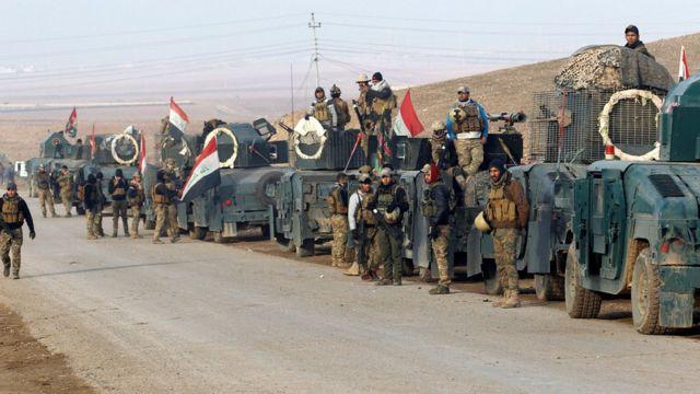 أرتال من المعدات العسكرية العراقية