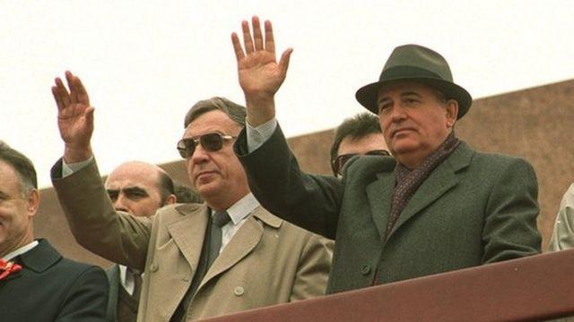 Геннадий Янаев и Михаил Горбачев