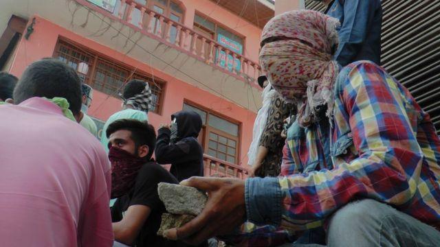 कश्मीर में सरकार विरोधी प्रदर्शन