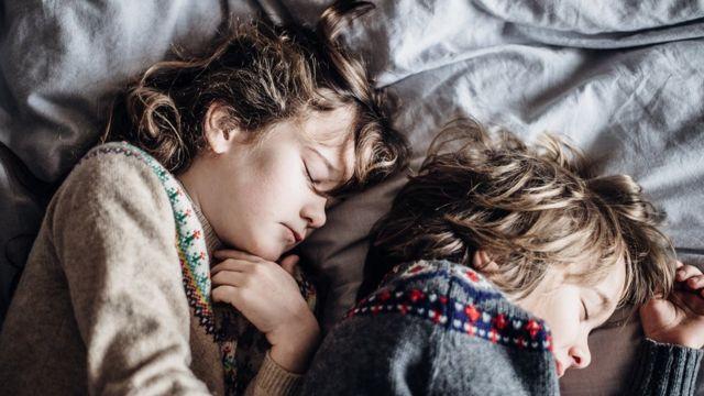 Каждый пятый ребенок ходит во сне, но с возрастом это происходит все реже