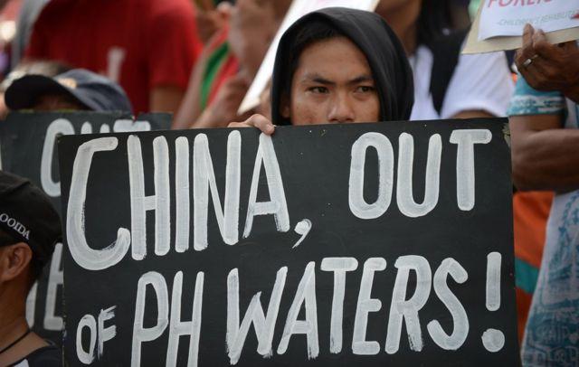 Manfistante filipino protesta contra a China