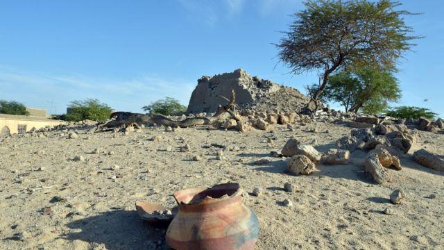 Les ruines du mausolée d'Alpha Moya, un saint touareg enterré à Tombouctou.