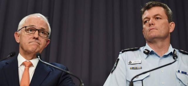 Baş nazir Malcolm Turnbull şübhəlinin cənubdakı Young şəhərində həbs olunduğu deyib.
