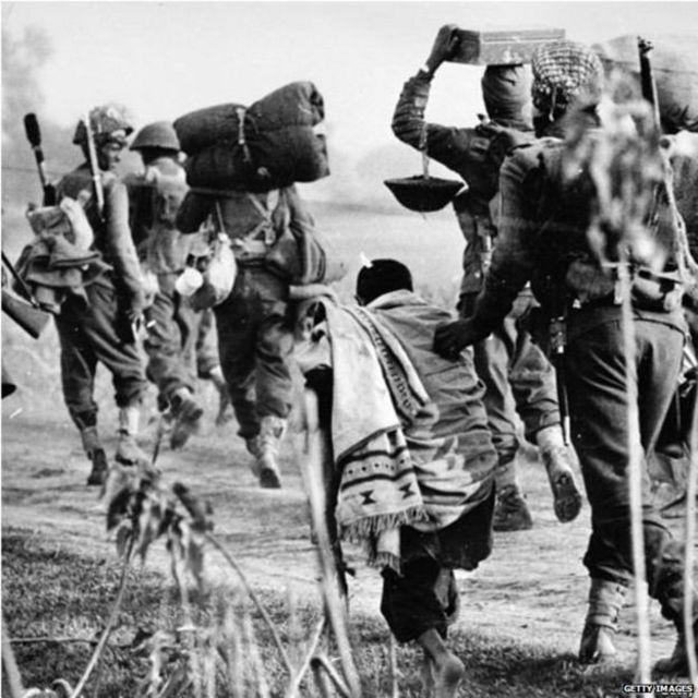 ਲੜਾਈ ਤੋਂ ਪਹਿਲਾਂ ਭਾਰਤੀ ਲਈ ਪਲਾਇਨ ਕਰਦੇ ਪੂਰਬੀ ਪਾਕਿਸਤਾਨੀ ਸ਼ਰਨਾਰਥੀ