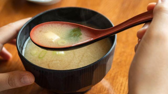 Sopa japonesa.