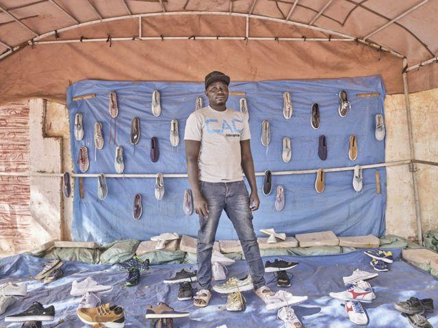 Cheikh Faye, vendeur de chaussures