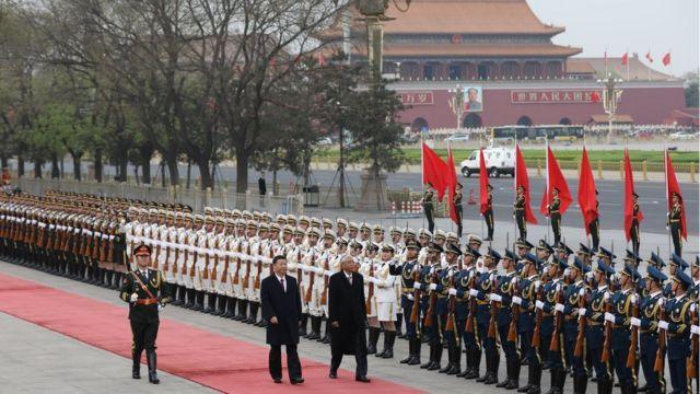 အခုလို ဂုဏ်ပြုတပ်ဖွဲ့နဲ့ Great Hall of the People မှာ ကြိုဆိုခဲ့ပါတယ်