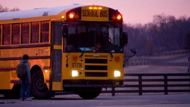 Los niños de familias pobres rinden peor en la escuela. (Foto: Jim Zuckerman / Alamy Stock Photo)