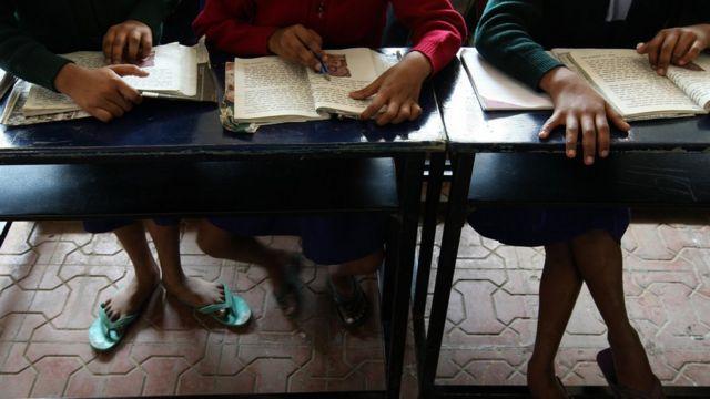 शाळाबाह्य कामांना शिक्षकांचा विरोध होत आहे.