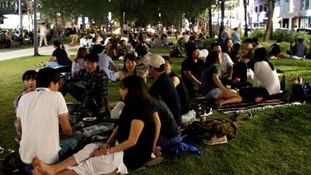 Общинные ценности корейского народа связаны с небольшим размером нации, этнически однородным составом населения страны и страстным национализмом