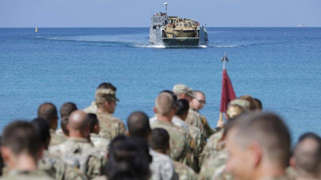 US soldiers wait to be evacuated in St Thomas, US Virgin Islands