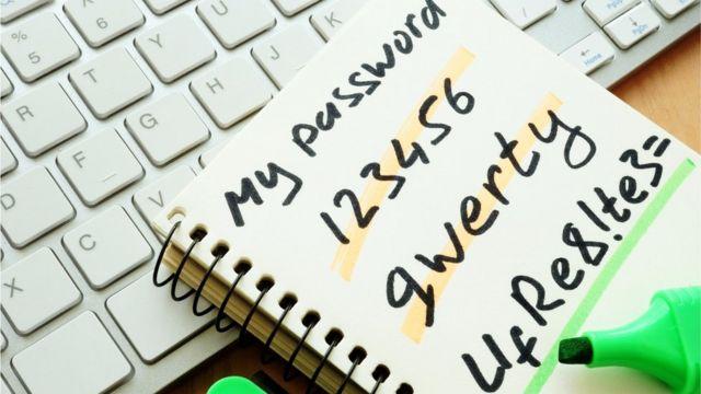 Kabul edin, siz de şifrelerinizi diğer insanların görebileceği bir şekilde not aldınız değil mi?