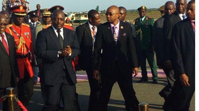 Rais Joseph Kabila akiwasili katika katika uwanja wa ndege wa Julius Nyerere nchini Tanzania