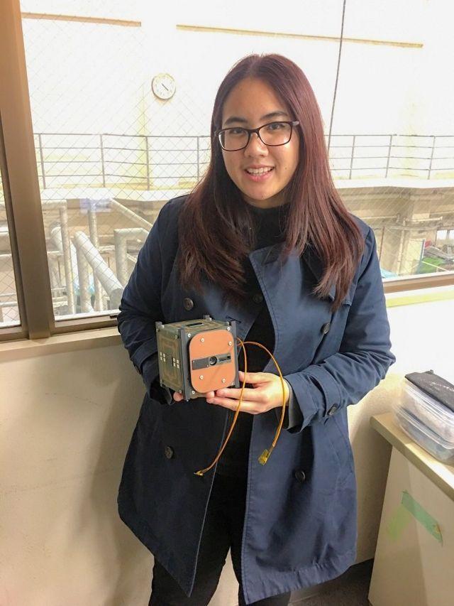 เอกจิรานำเอาดาวเทียมแนคแซทไปทดสอบการทำงานในสภาพจำลองของห้วงอวกาศที่ญี่ปุ่น