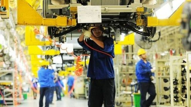 China economy: Slow output fuels global economic recovery fears
