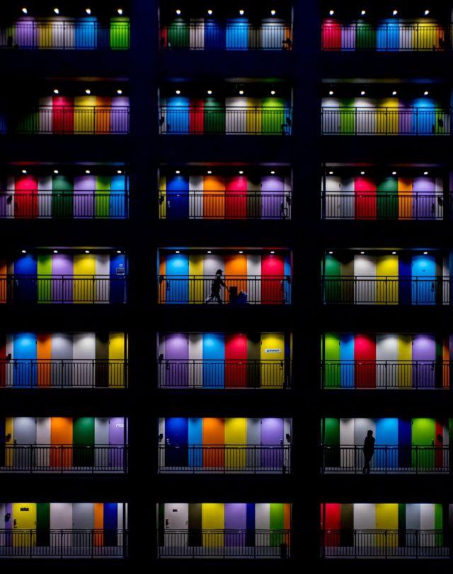 印度尼西亚雅加达五颜六色的屋门