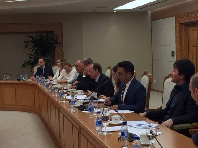Đại diện các sứ quán EU gặp chính phủ Việt Nam hôm 21/12 để thảo luận về Luật An ninh mạng.