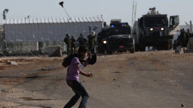 Abasirikare ba Israel n'abanye Palestine barakunze gutana mu mitwe mu turere bigaruriye twa West Bank