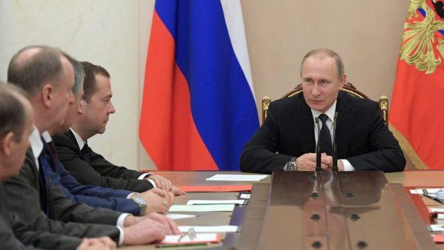 بوتين في اجتماع مع حكومته