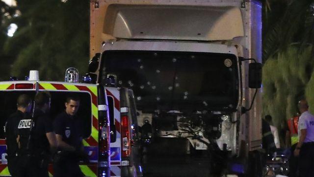 El camión que arrolló a la multitud.